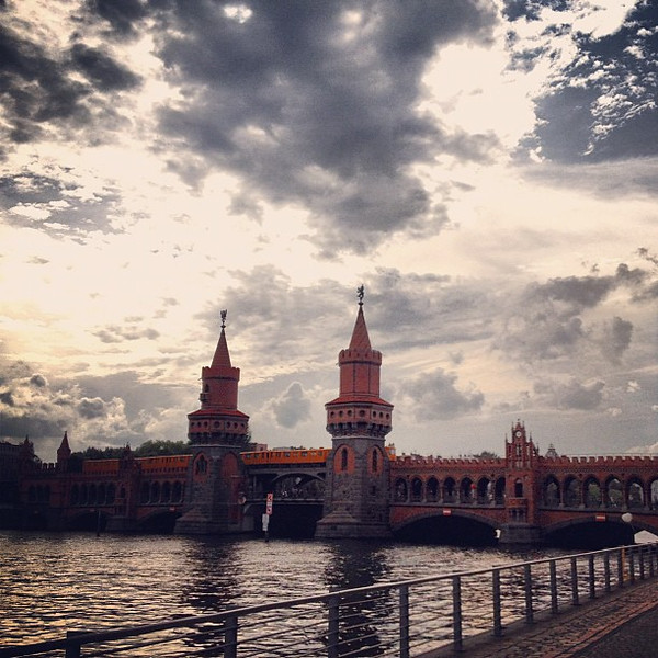 Oberbaum bridge and S-bahn, struggles with the #Berlin sky