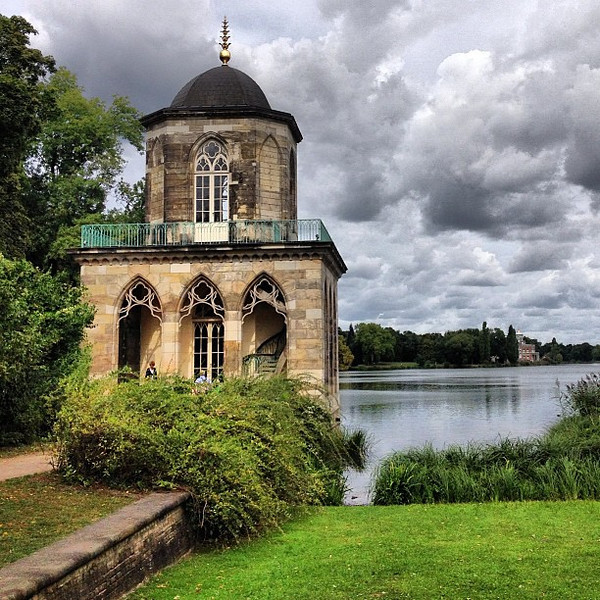 Just before it was about to howl and storm, the Gothic Bibliothek, Potsdam appeared. Then the clouds held off and we had a sweet afternoon in nearby Neuen Garten.