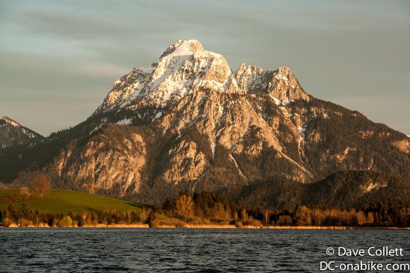 Sauling across the lake