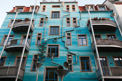 Musical Rain Gutter Funnel Wall in Dresden, Germany