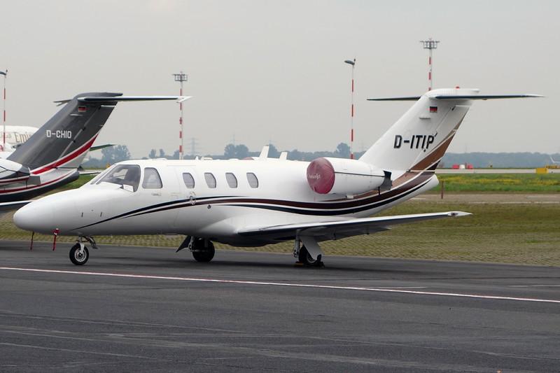 D-ITIP Cessna 525 Citation Jet 1 c/n 525-0494 Dusseldorf/EDDL/DUS 18-10-15