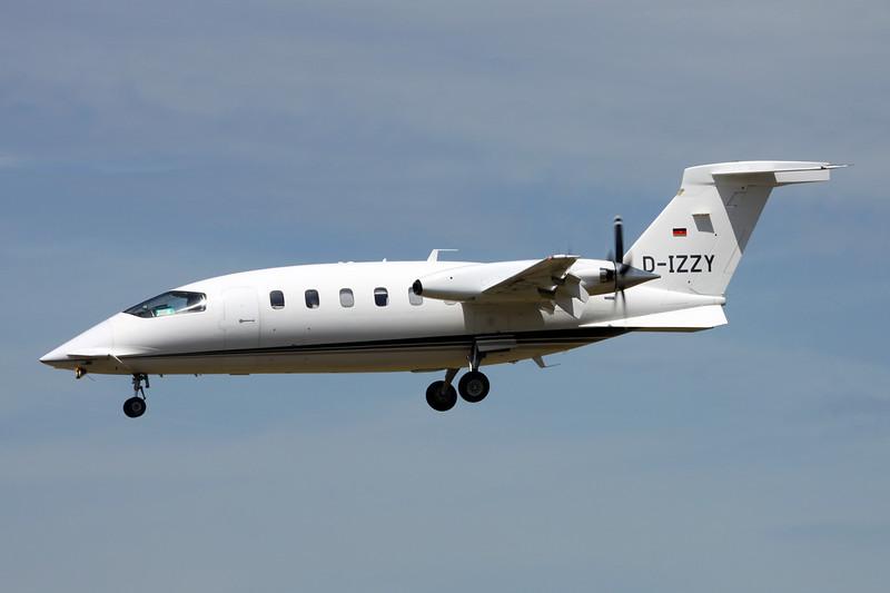 D-IZZY Piaggio P-180 Avanti c/n 1034 Paris-Le Bourget/LFPB/LBG 10-07-16
