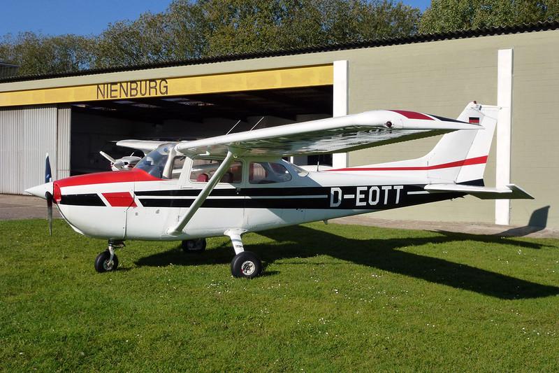 D-EOTT Reims-Cessna F.172N c/n 1816 Nienburg-Holzbalge/EDXI 16-10-11