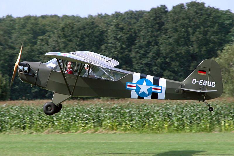 D-EBUG Piper L-4H Grasshopper c/n 12324 Schaffen-Diest/EBDT 15-08-04