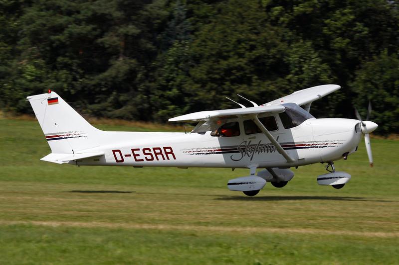 D-ESRR Cessna 172R c/n 172-80212 Schaffen-Diest/EBDT 12-08-12