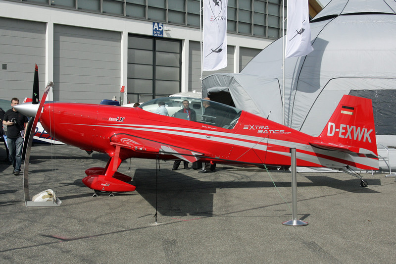 D-EXWK Extra 300LC c/n LC002 Friedrichshafen/EDNY/FDH 19-04-12