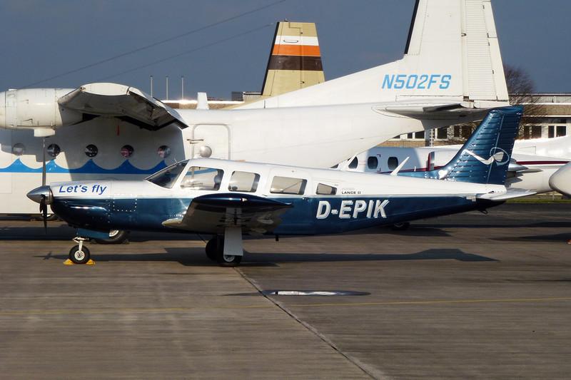 D-EPIK Piper PA-32R-300 Cherokee Lance c/n 32R-7680107 Moenchengladbach/EDLN/MGL 30-10-11