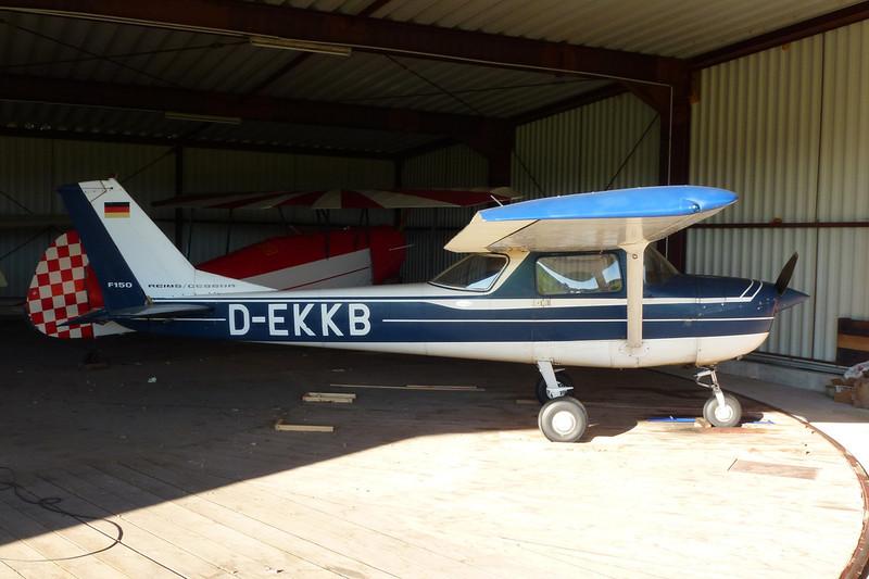 D-EKKB Reims-Cessna F.150K c/n 0545 Nienburg-Holzbalge/EDXI 16-10-11