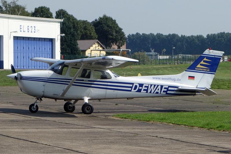 D-EWAE Cessna 172R c/n 172-80045 Aachen/EDKA 12-09-15