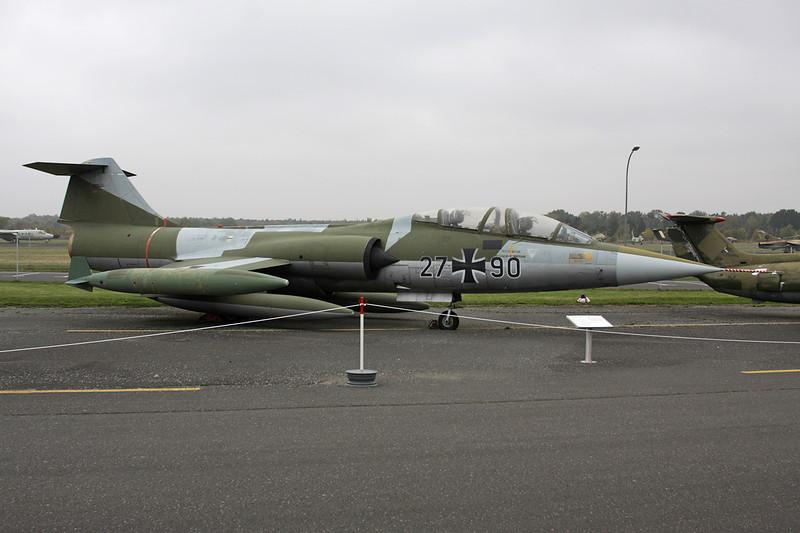 """27+90 Lockheed TF-104G Starfighter """"German Air Force"""" c/n 583F-5920 Berlin-Gatow/EDBG/GWW 21-10-09"""