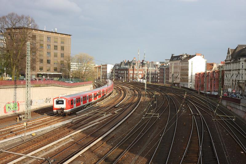 Hbf (Main Railway Station)