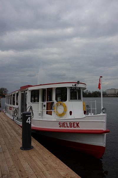 Ferry in Binnenalster