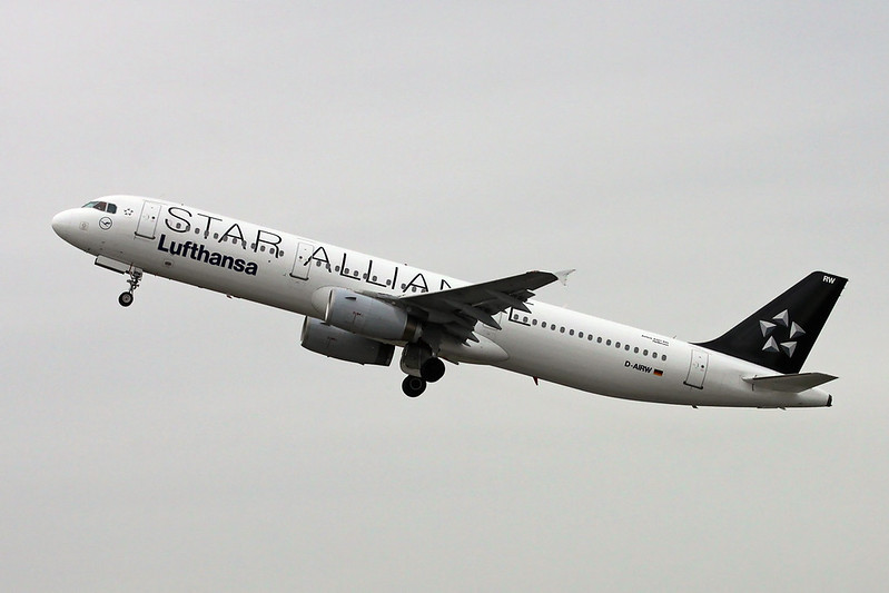"D-AIRW Airbus A321-131 c/n 0699 Dusseldorf/EDDL/DUS 03-03-17 ""Star Alliance"""