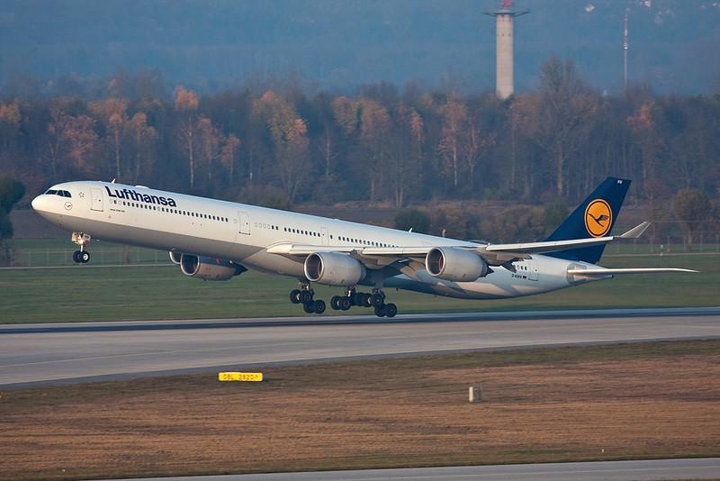 D-AIHV Airbus A340-642 c/n 897 Munich/EDDM/MUC 08-11-08