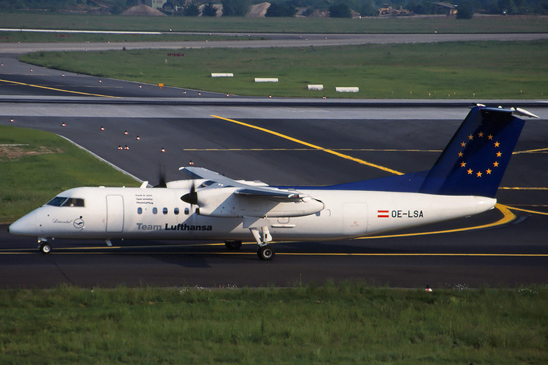 "OE-LSA de Havilland Canada DHC-8-314Q ""Rheintalflug"" c/n 487 Dusseldorf/EDDL/DUS 19-05-98 ""Team Lufthansa"" (35mm slide)"