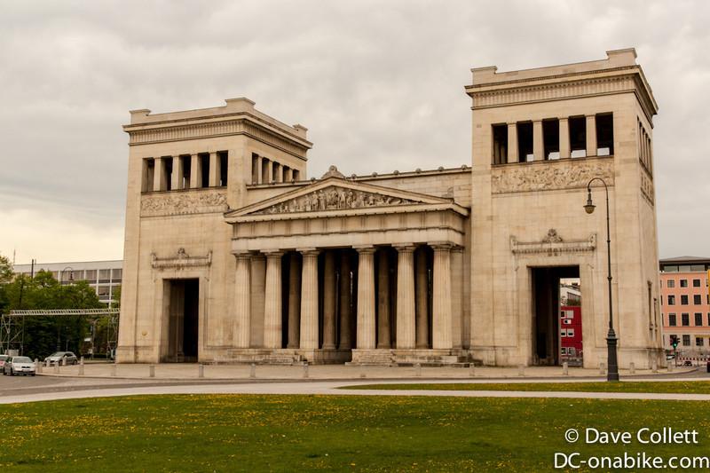 Building at the Kongisplatz