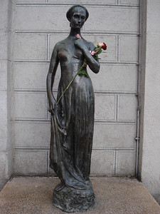 Julia Statue (from Romeo and Juliet), Munich - Germany.