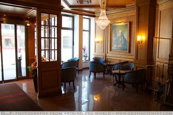 King's Hotel Center Lobby