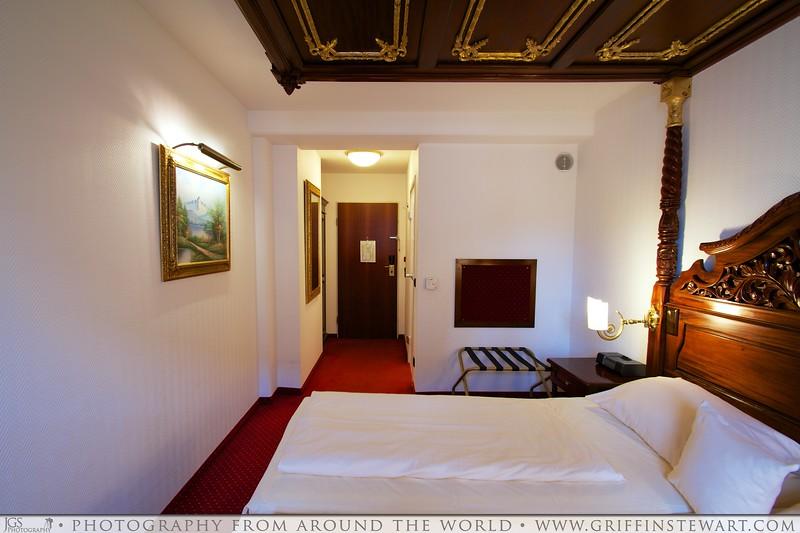 King's Hotel Center Room