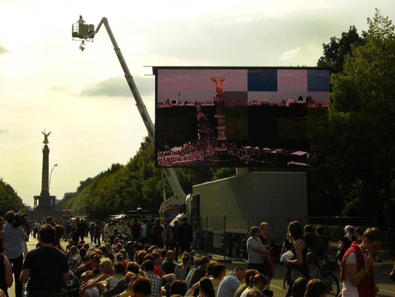 Big Crowd for Barack Obama - Berlin, Germany