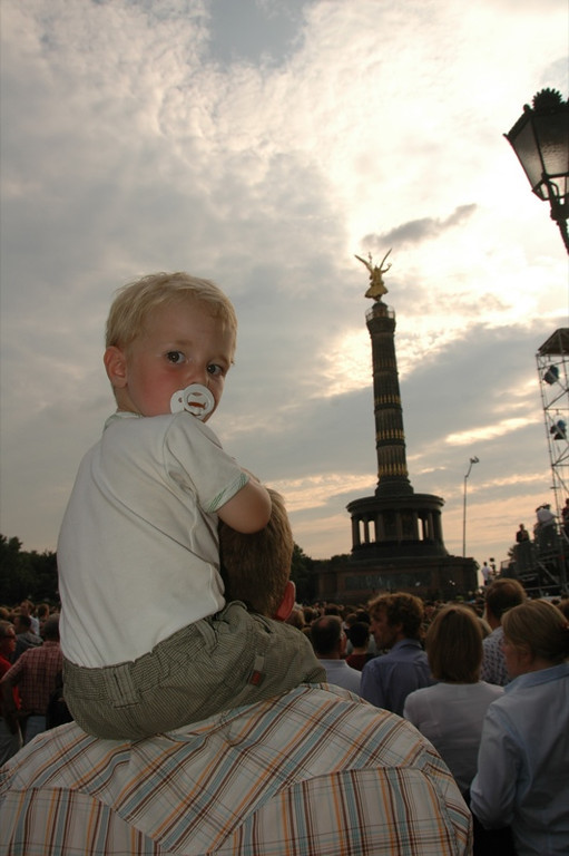 Dutch Boy Waiting for Barack Obama - Berlin, Germany
