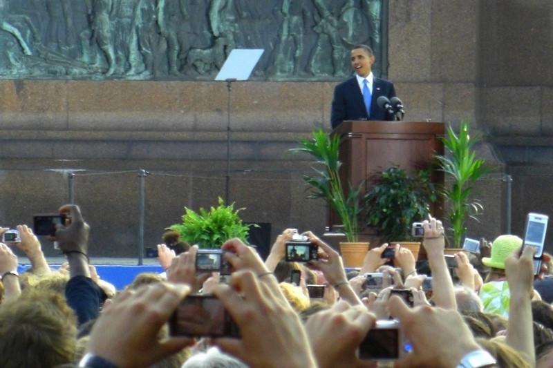 Cameras Poised for Barack Obama - Berlin, Germany