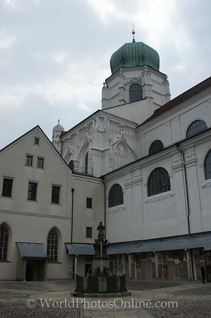 Passau - St Stephan's Cathedral - Courtyard 2