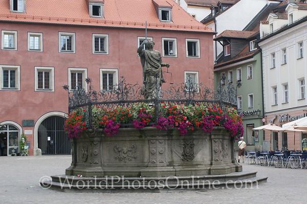 Regensburg - Haidplatz - Fountain
