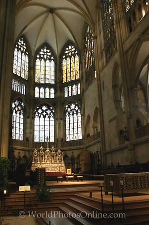 Regensburg - St Peter's Cathedral - Nave 2
