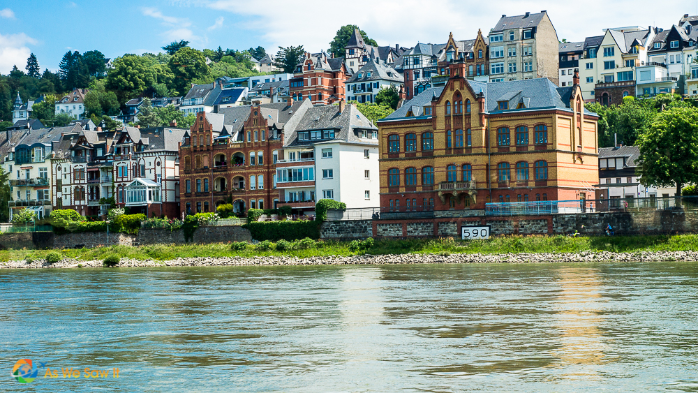 The 590 marker to locate this village on a Rhine River map.