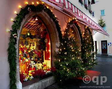 STOREFRONTS AT CHRISTMAS