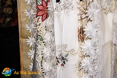 Beautiful details in the lace of this embroidery.