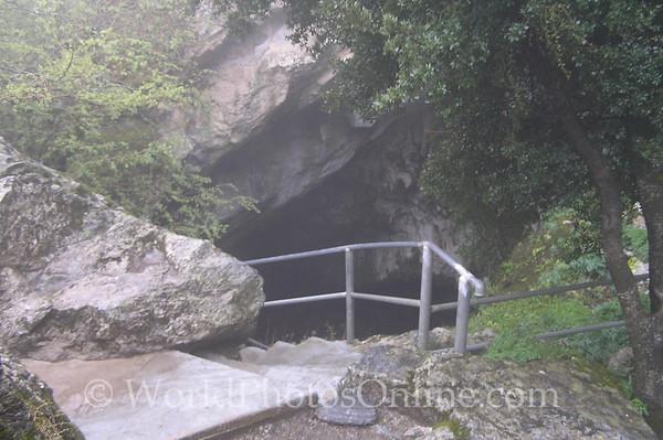 Crete - Dikteon Cave - Entrance