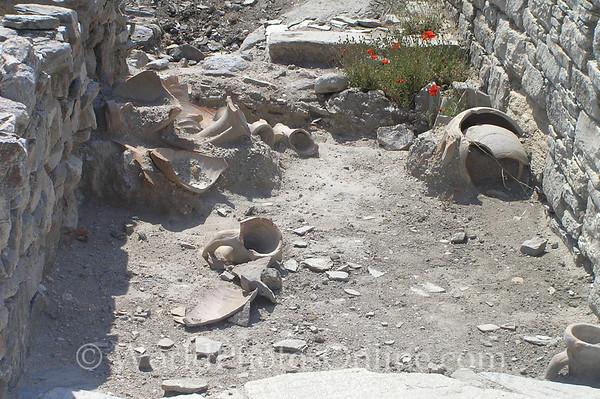 Delos - Ancient pots