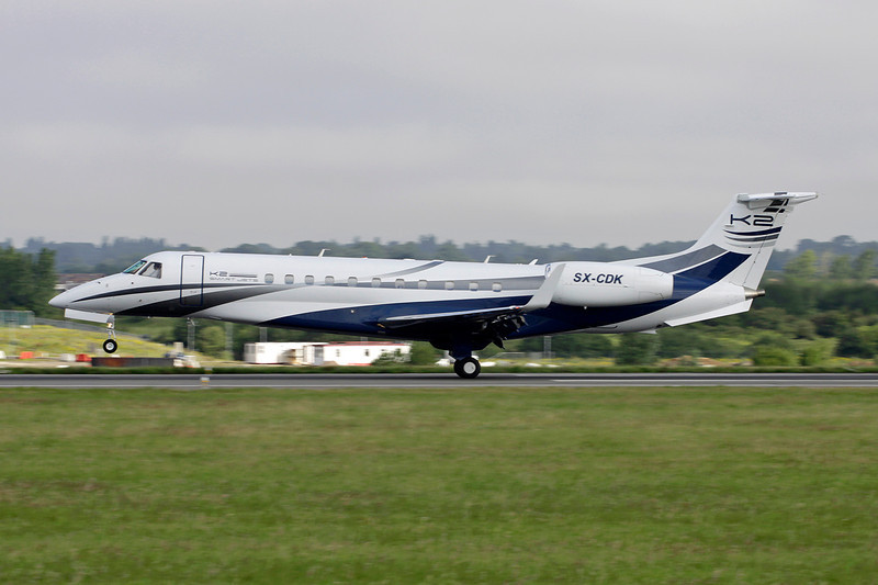 SX-CDK Embraer EMB-135BJ Legacy c/n 14500998 Luton/EGGW/LTN 19-07-11