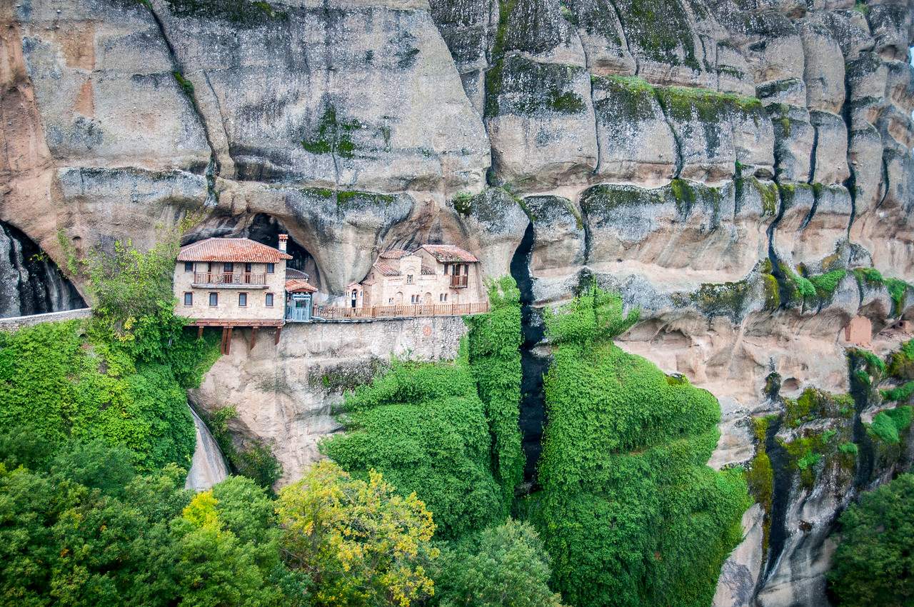 Ultimate Guide: How to Visit the Monasteries of Meteora, Greece