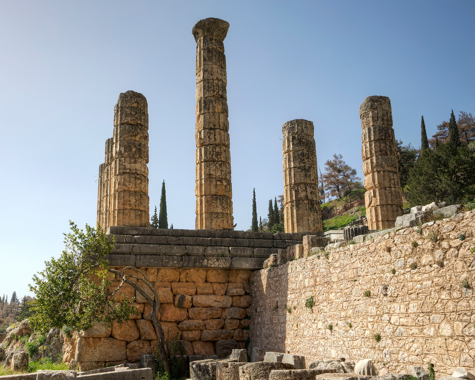 temple of apollo columns at delphi