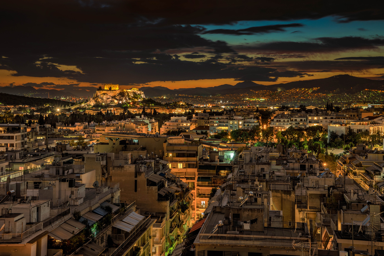 A view of Athens at night
