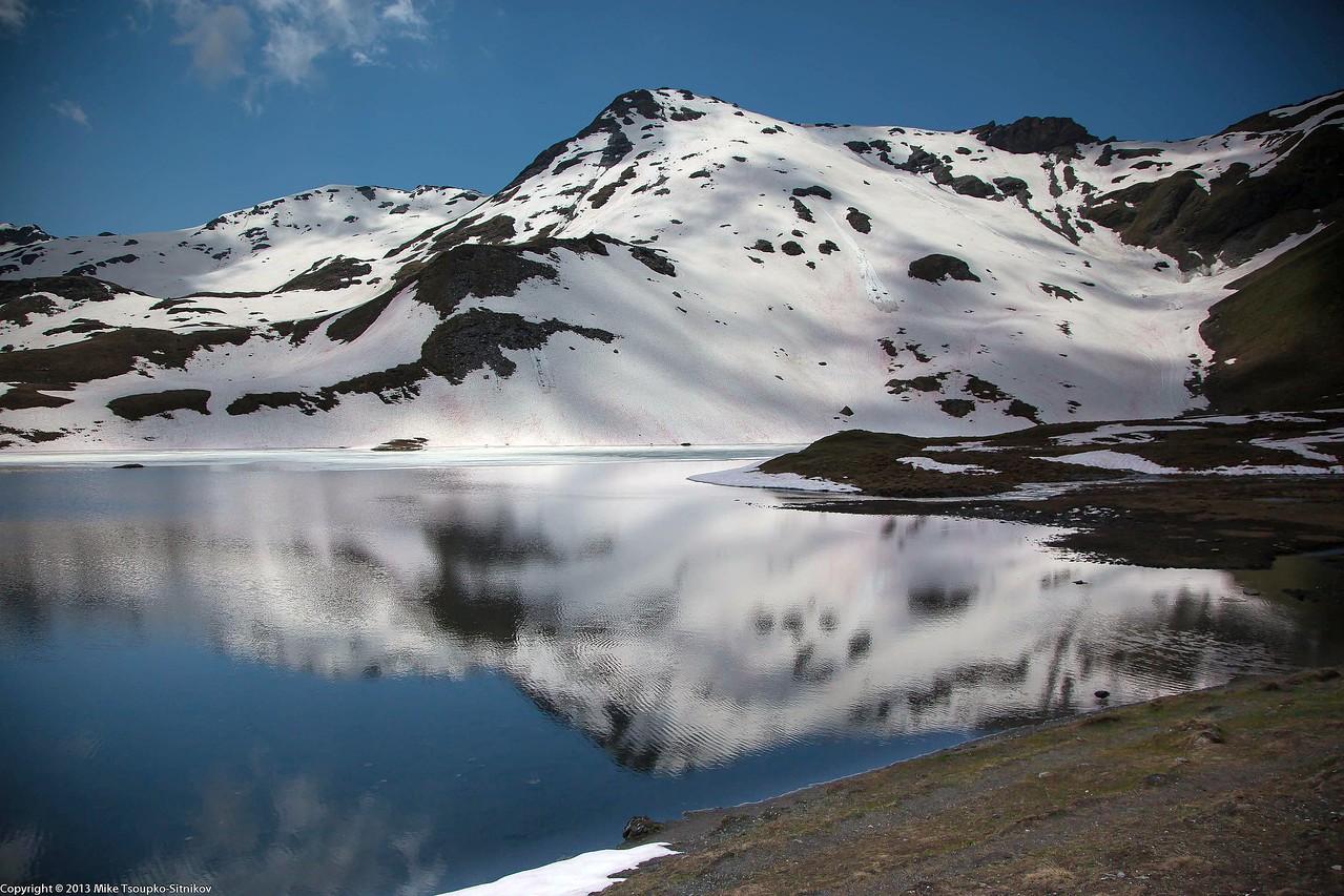 Descent from Col de Torrent to Barrage de Moiry