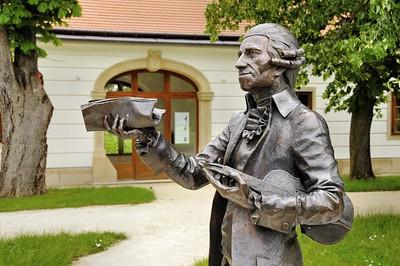 Fertöd - Jardins d'Esterhazy Kastely - Statue de Joseph Haydn