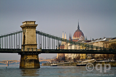 PARLIMENT AND THE CHAIN BRIDGE