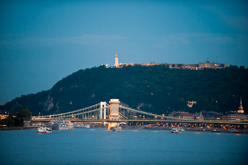 Chain Bridge & Liberty Monument at Dusk