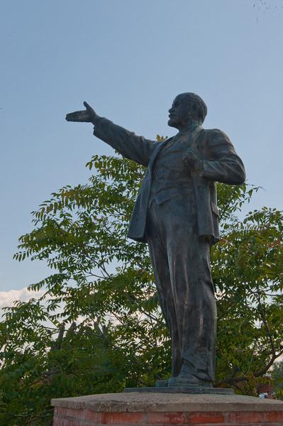 "Vladimir Lenin - famous ""hailing a cab pose"""