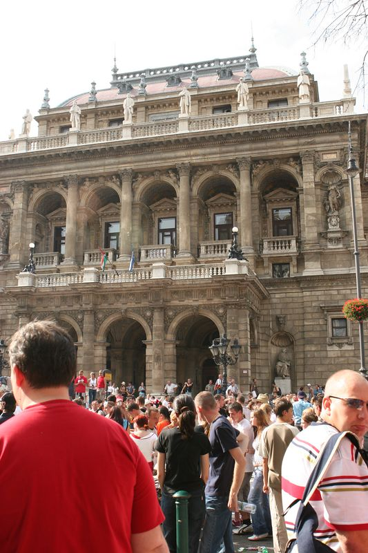 Budapest Opera House during the 2005 Love Parade