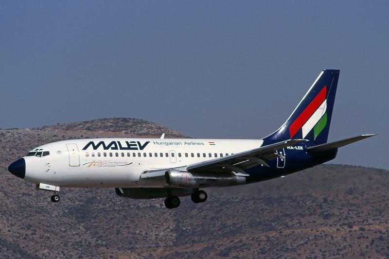 HA-LEK Boeing 737-2K9 c/n 23404 Athens-Hellenikon/LGAT/ATH 20-09-00 (35mm slide)