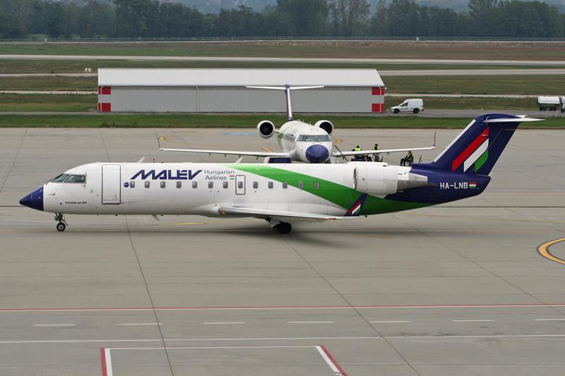 HA-LNB Canadair Regional-Jet 200ER c/n 7686 Budapest-Ferihegy/LHBP/BUD 27-09-07