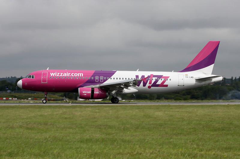 """HA-LWB Airbus A320-232 """"Wizzair"""" c/n 4246 Luton/EGGW/LTN 19-07-11"""
