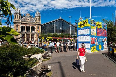 Budapest train station. 2010.