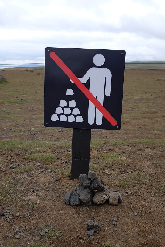 No cairn building