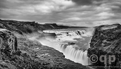 GULLFOSS BLACK AND WHITE